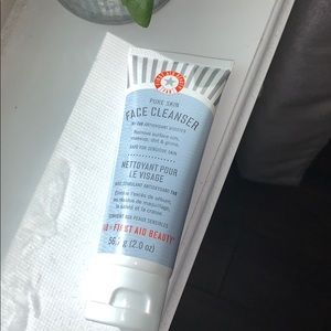 💗2/$25 First Aid Beauty Cleanser🚨